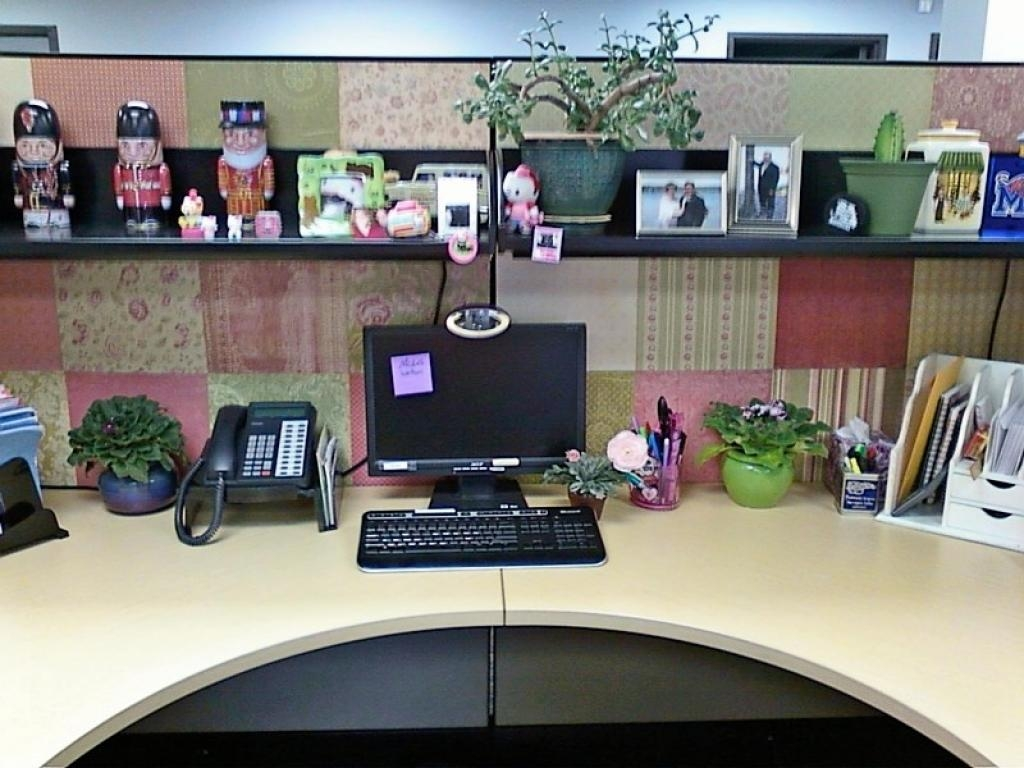 Cubicle Walls Decor Attaching Wall Art Your Cubicle Makeover Best With Regard To Cubicle Wall Art (View 15 of 20)