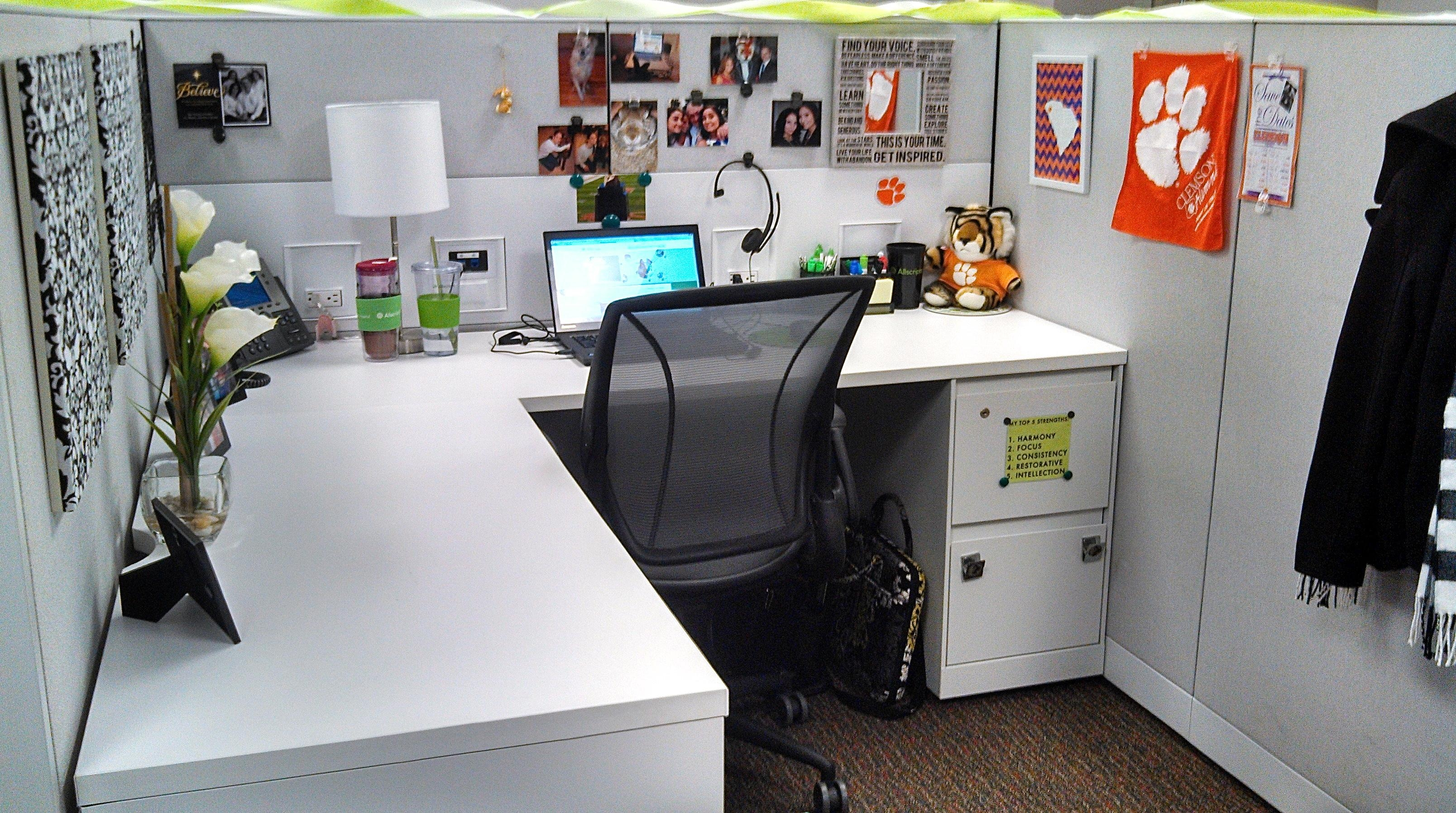 Decor: Black Office Chair Design Ideas With Wall Art Plus L Shaped Within Cubicle Wall Art (View 9 of 20)