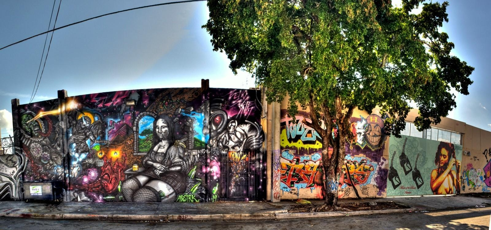 Featured Image of Miami Wall Art