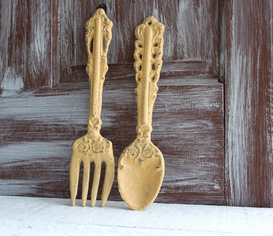 Wooden Utensil Wall Decor : Wooden fork and spoon wall hanging man cave basement ideas
