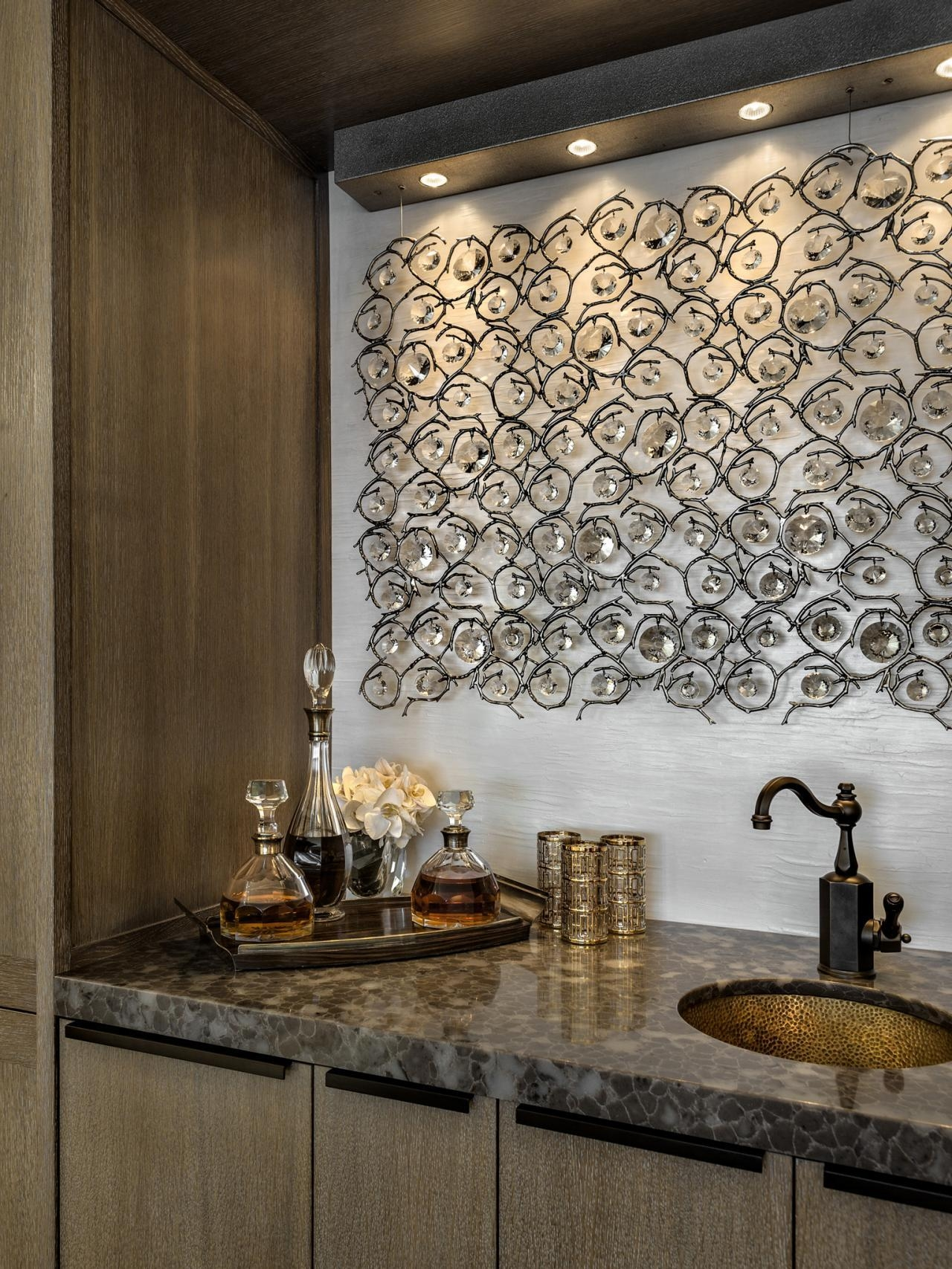 Featured Image of Glamorous Wall Art