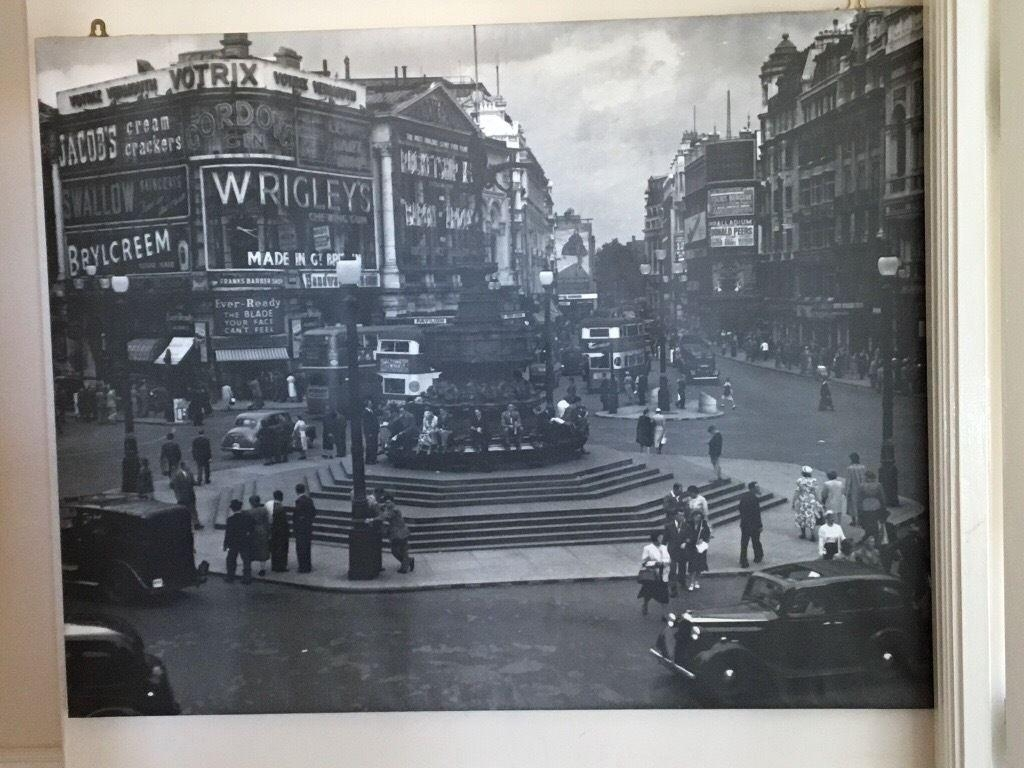 Picture/wall Art /canvas Black & White London Scene | In In London Scene Wall Art (View 16 of 20)