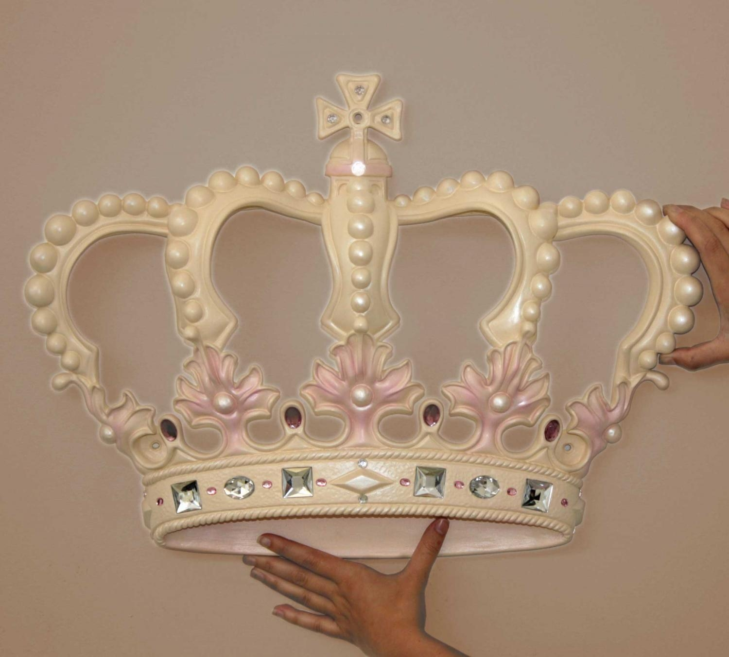 Featured Image of Princess Crown Wall Art