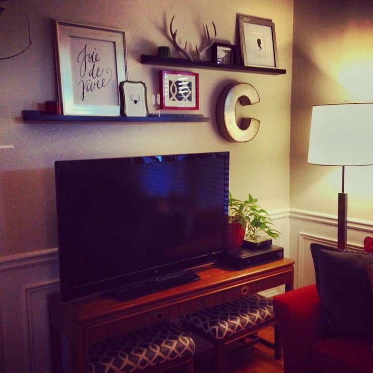 Best 25+ Shelf Above Tv Ideas On Pinterest | Above Tv Decor Pertaining To Most Current Over Tv Shelves (Image 9 of 20)