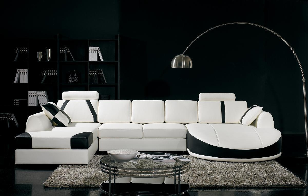 Black And White Living Room Interior Design Ideas Regarding White And Black Sofas (Image 10 of 21)