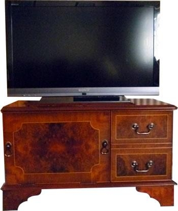 Chic Mahogany Tv Stand Reproduction Dvd And Plasma Lcd Television Regarding Newest Mahogany Tv Cabinets (View 9 of 20)