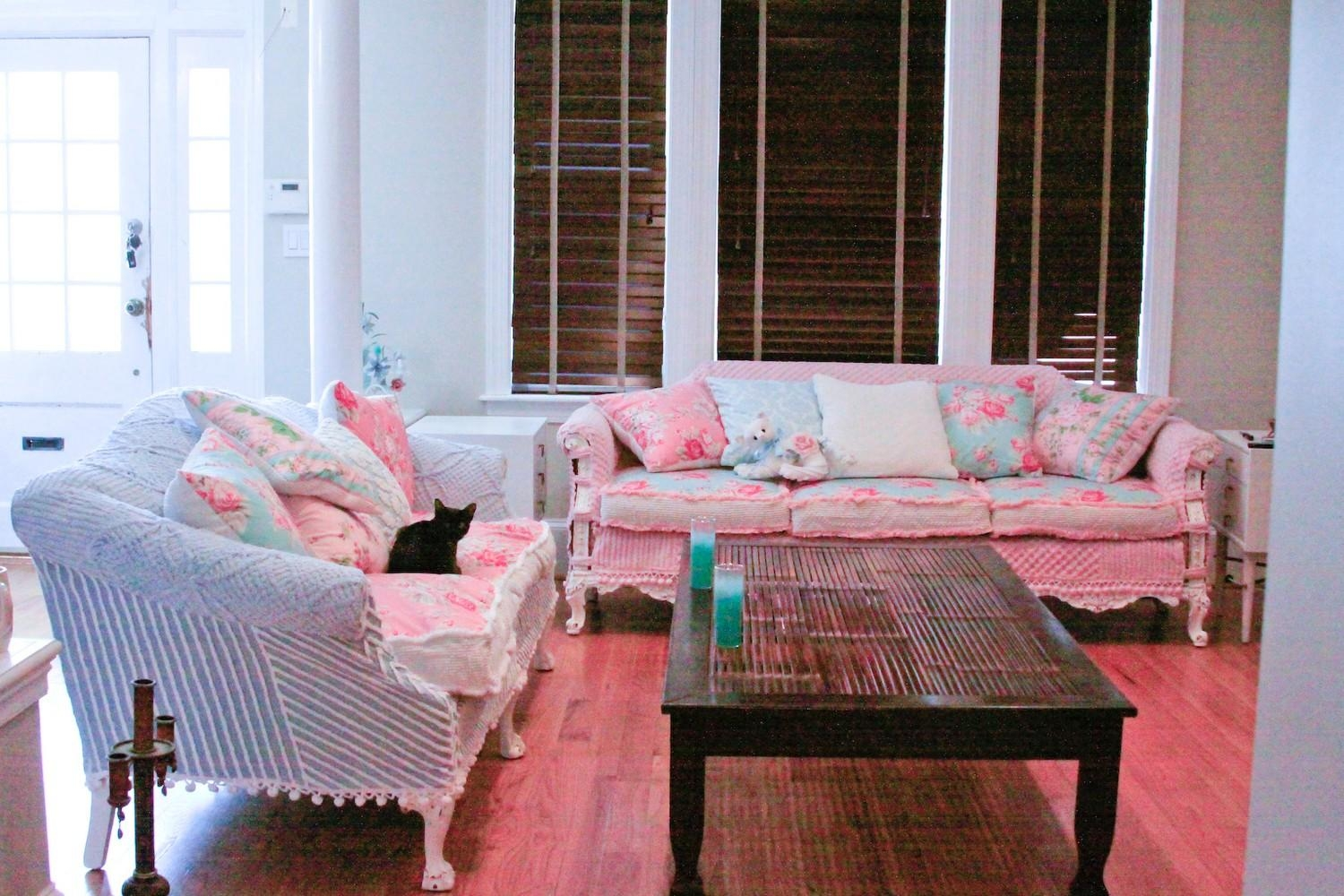 Chic Sofas With Etsy Sofas (Image 1 of 20)