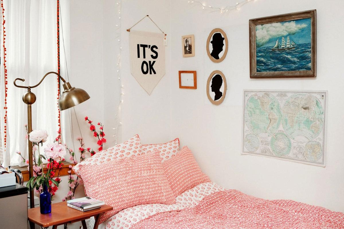 College Dorm Decor : Ideas Of Dorm Décor To Make It More Pertaining To Wall Art For College Dorms (Image 7 of 20)