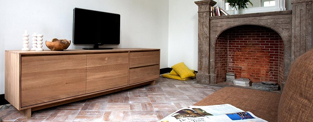Contemporary Oak Tv Units & Tv Tables – Solid Wood Furniture 4Living Pertaining To Best And Newest Contemporary Oak Tv Cabinets (Image 8 of 20)
