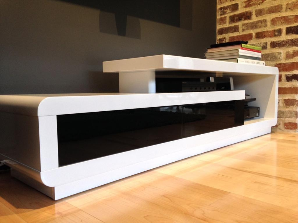 D3033 Modern White Lacquer Tv Stand Pertaining To Most Up To Date Modern White Lacquer Tv Stands (Image 5 of 20)