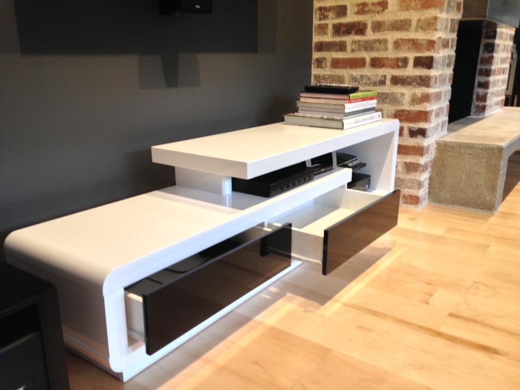 D3033 Modern White Lacquer Tv Stand With Regard To Most Recent Modern White Lacquer Tv Stands (Image 7 of 20)