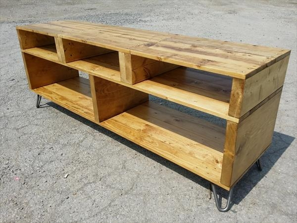 Diy Pallet Furniture: Tv Stand With Hairpin Legs For 2018 Hairpin Leg Tv Stands (View 7 of 20)