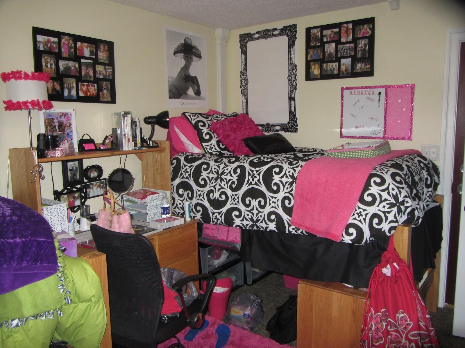 Dorm Room Decorating Ideas : Dorm Room Décor For Any Activity For Wall Art For College Dorms (Image 14 of 20)