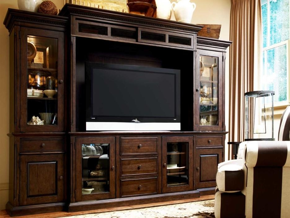 Excellent Polished Wood Enclosed Tv Cabinets For Flat Screens With With 2017 Enclosed Tv Cabinets For Flat Screens With Doors (View 10 of 20)