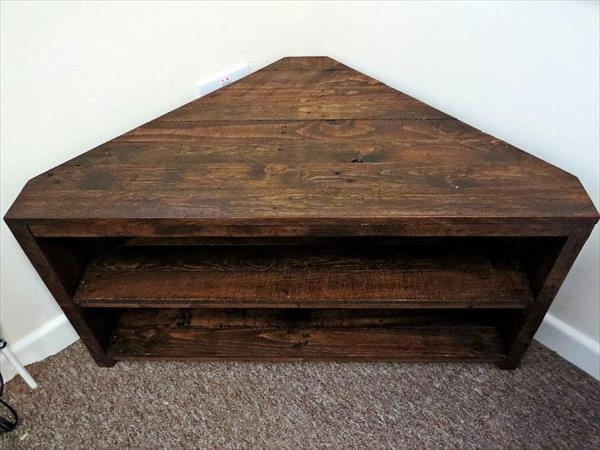 Handmade Pallet Sectional Tv Stand | Pallet Furniture Plans In Most Recent Triangular Tv Stands (Image 17 of 20)