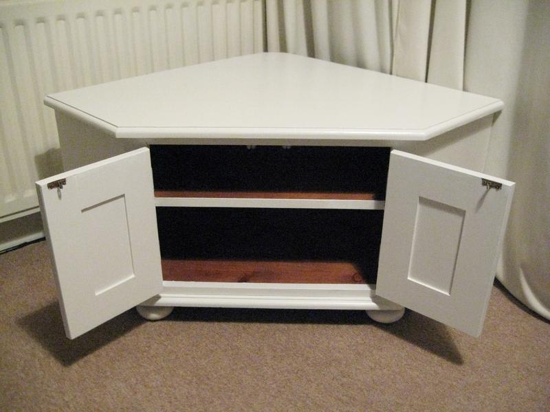Nice Solid Wooden Corner Tv Stand Or Storage Unit In White Intended For 2018 Triangular Tv Stands (View 15 of 20)