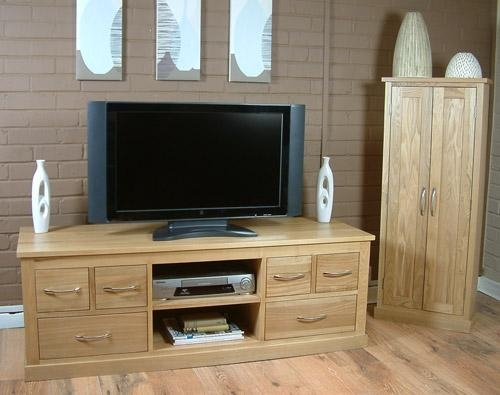 Oak Contemporary Solid Oak Widescreen Tv Cabinet Regarding 2017 Oak Widescreen Tv Unit (Image 16 of 20)