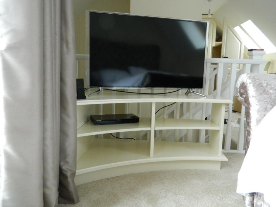 Personable Unusual Tv Stands With Big Led Tv Side Gray Curtain Throughout Most Current Unusual Tv Stands (Image 10 of 20)