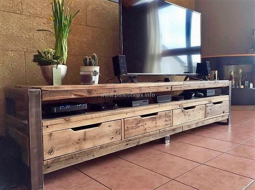 Reclaimed Wood Pallets With Steel Feet Tv Stand | Pallet Ideas with regard to Most Up-to-Date Recycled Wood Tv Stands