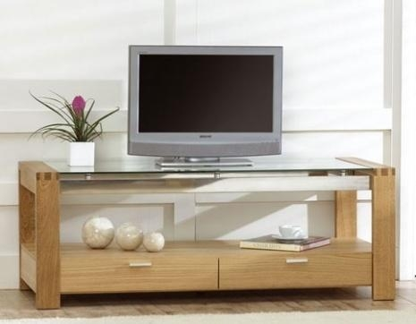 Rochelle Oak And Glass Tv Cabinet Combines Oak Legs And Chrome Inside Best And Newest Glass And Oak Tv Stands (View 4 of 20)
