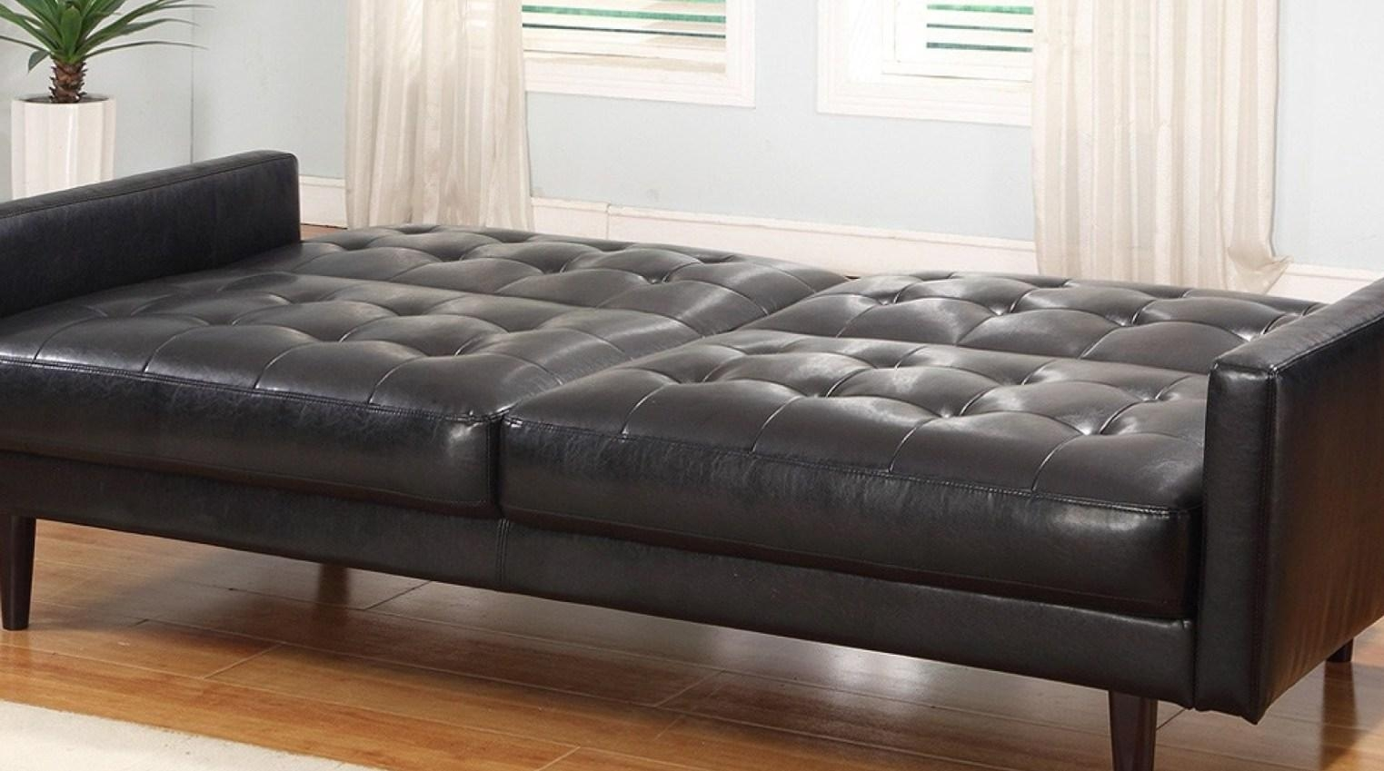 Sofa : Chesterfield Sofa History Goingtheextramile Cheap With Regard To Classic English Sofas (Image 11 of 21)