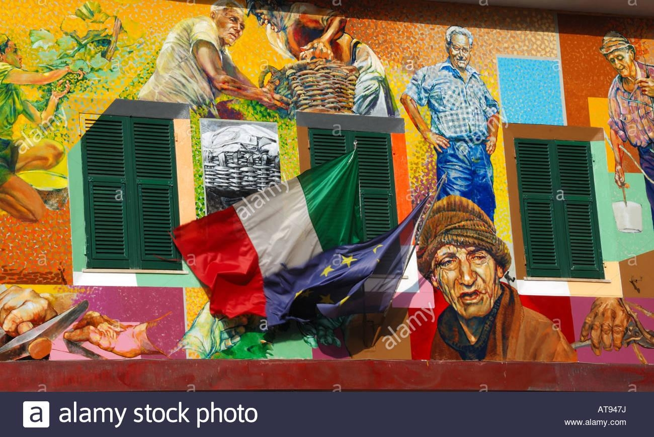 The Italian Flag And A Wall Mural In Riomaggiore, Cinque Terre With Regard To Italian Art Wall Murals (View 19 of 20)
