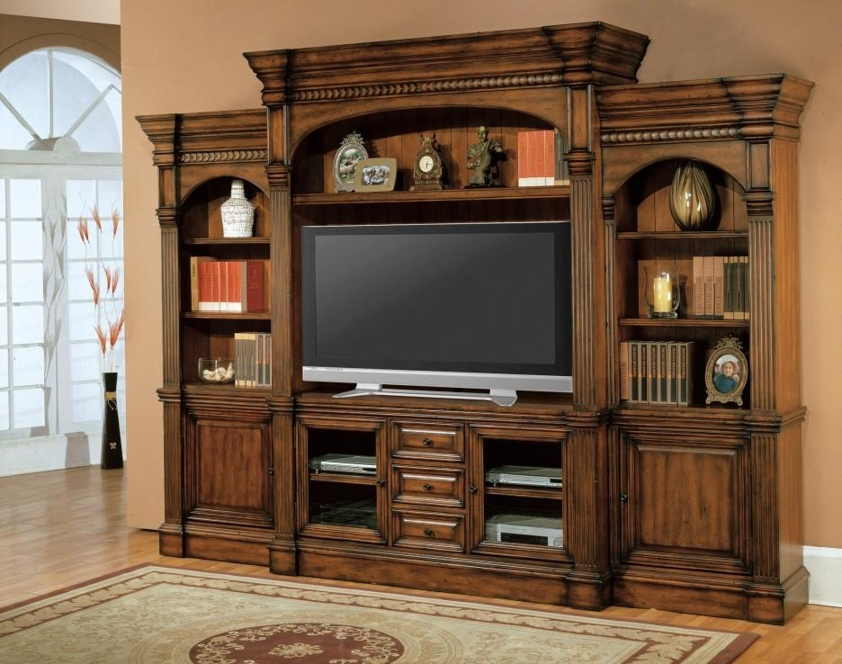 Traditional Large Enclosed Tv Cabinets For Flat Screens With Doors Pertaining To Newest Traditional Tv Cabinets (Image 7 of 20)