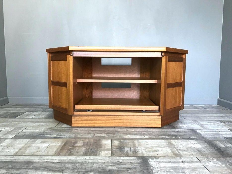 Tv Stand: Impressive Retro Tv Stand Inspirations (View 18 of 20)