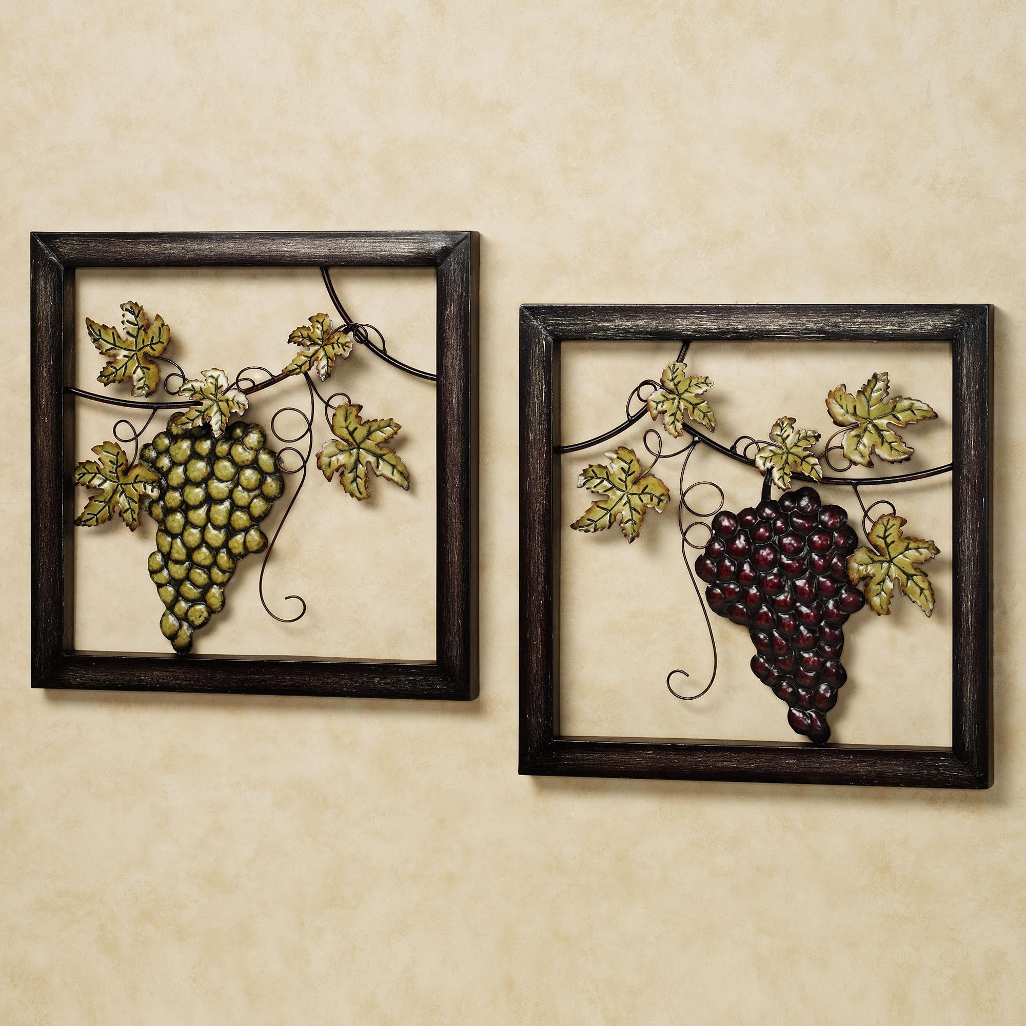 Featured Image of Metal Grape Wall Art