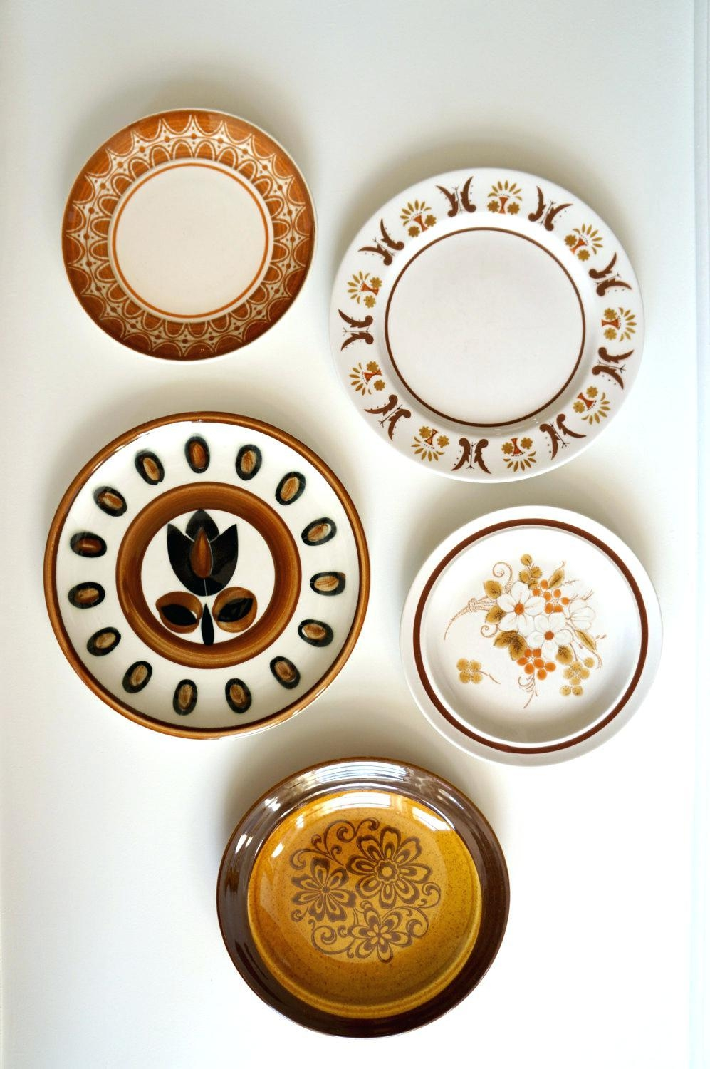 Wall Ideas: Plate Wall Decor. Wall Decorative Plate Holder (Image 19 of 20)