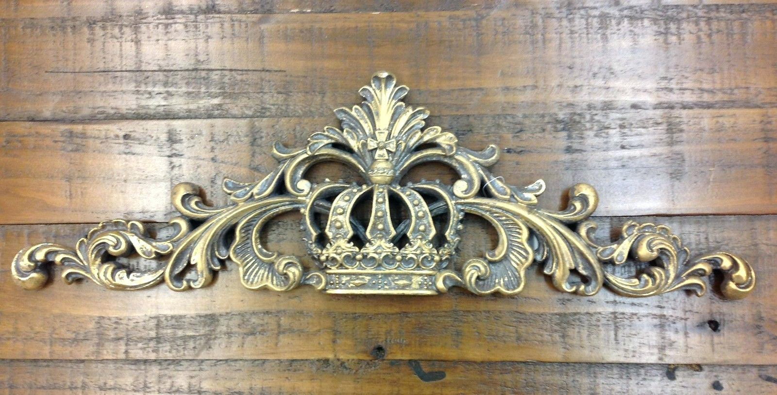 Wall Ideas: Wall Crown Decor (View 16 of 20)