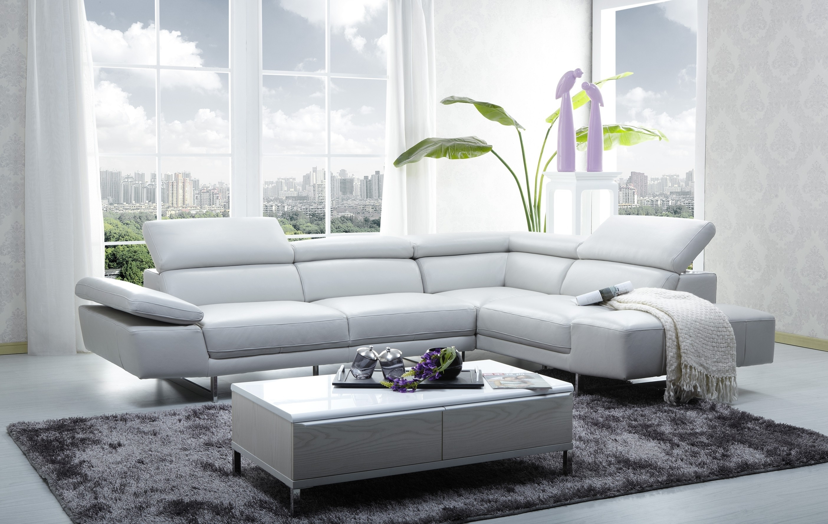 1717 Italian Leather Modern Sectional Sofa With Regard To Sectional Sofas In Stock (Image 1 of 10)