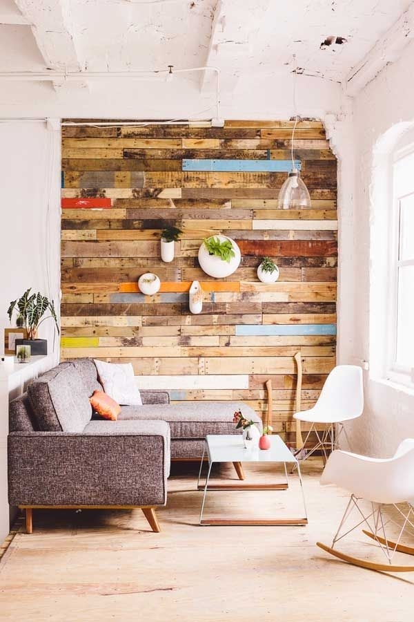20+ Recycled Pallet Wall Art Ideas For Enhancing Your Interior Within Wall Accents With Pallets (Image 2 of 15)