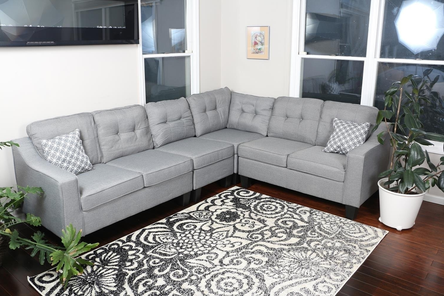 2018 Popular Kelowna Sectional Sofas With Regard To 110X90 Sectional Sofas (Image 2 of 10)