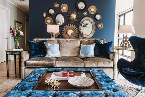 22 Living Rooms With Metal Wall Decorations | Home Design Lover For Blue Wall Accents (Image 1 of 15)