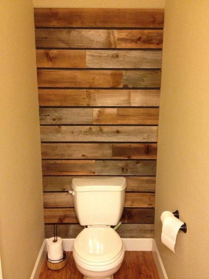23 Consejos Para Sacarle Todo El Provecho A Un Baño Chiquito Inside Wall Accents Behind Toilet (Image 3 of 15)