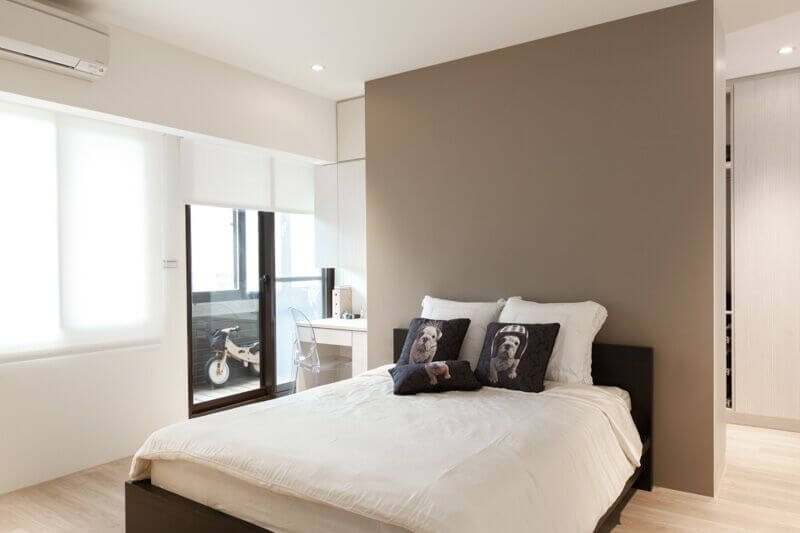 24 Comfortable Bedrooms With An Interesting Accent Wall (Detailed intended for Neutral Color Wall Accents
