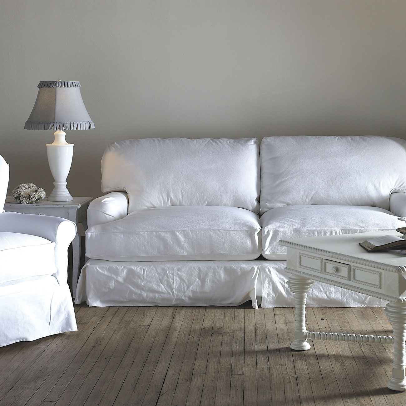 25 Cozy Shabby Chic Furniture Ideas For Your Home | Top Home Designs With Shabby Chic Sofas (Image 1 of 10)