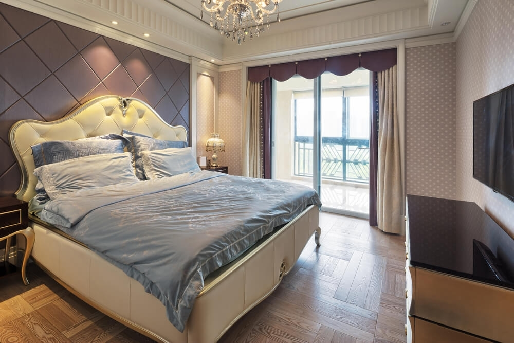 32 Master Bedroom Ideas (Decorating And Decor) With Regard To Wall Accents Behind Bed (Photo 3 of 15)