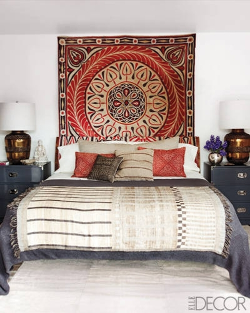 Featured Image of Fabric Wall Art Above Bed