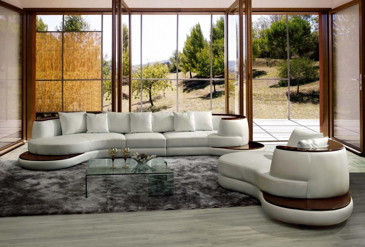 Casa Rodus – Rounded Corner Leather Sectional Sofa With Wood Trim With Regard To Rounded Corner Sectional Sofas (Image 1 of 10)