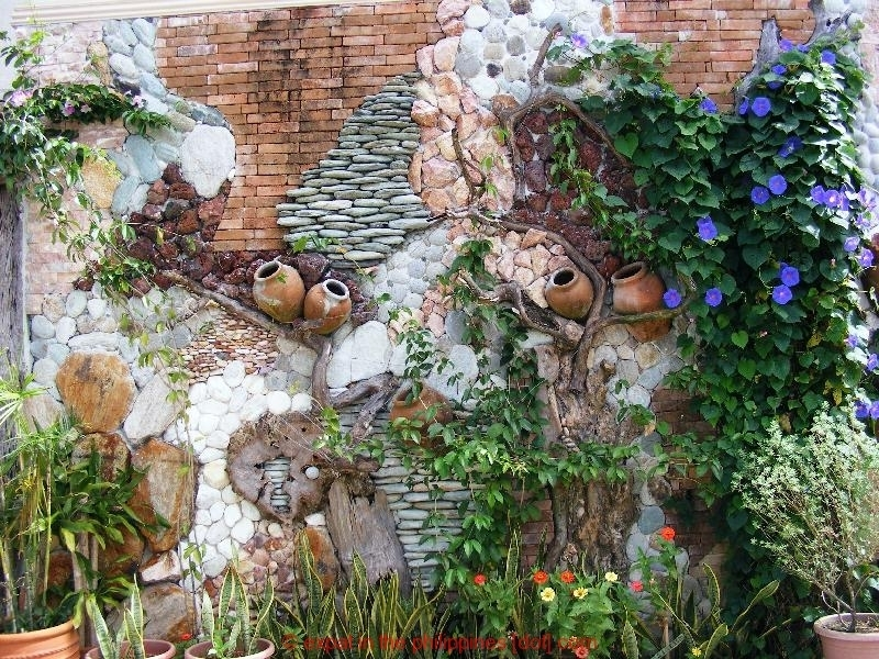 Featured Image of Garden Wall Accents