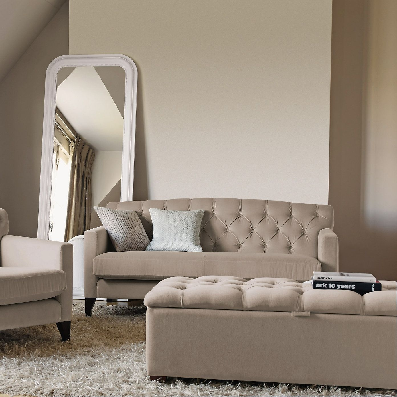 Eaton Bedroom Sofa From The White Company | Furniture And Linen Inside Bedroom Sofas (Image 6 of 10)