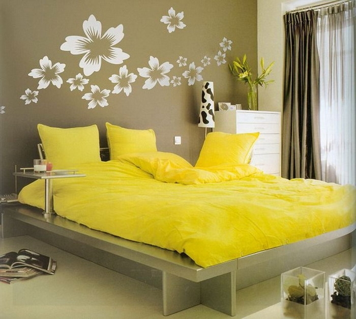 Flowers Bedroom Wall Decorations Yellow Flowers Bedroom Wall Pertaining To Wall Accents For Yellow Room (Image 6 of 15)