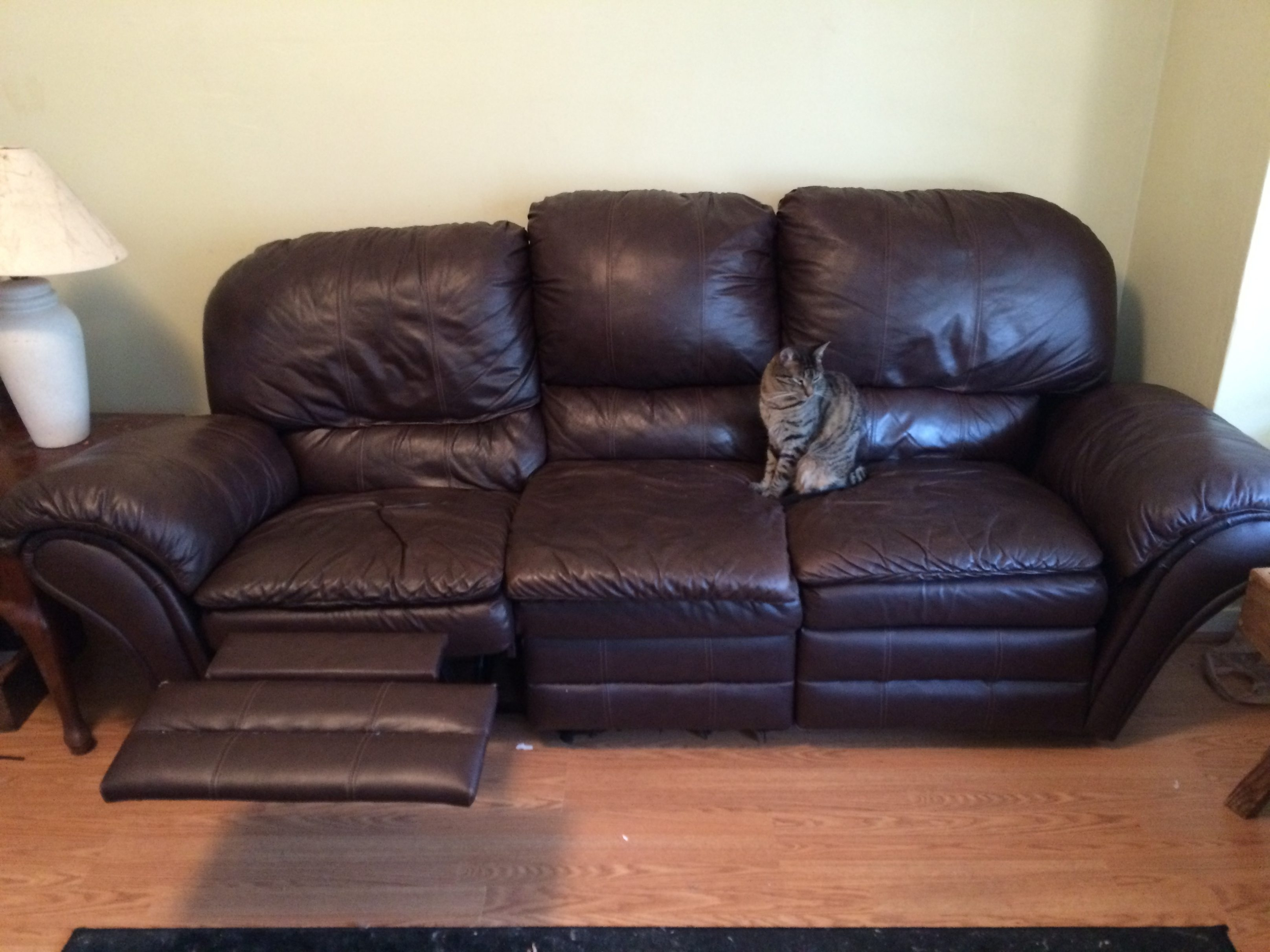 Free Sofa Craigslist #5 Awesome Leather Couch Craigslist 86 In Sofas Throughout Craigslist Leather Sofas (Image 3 of 10)