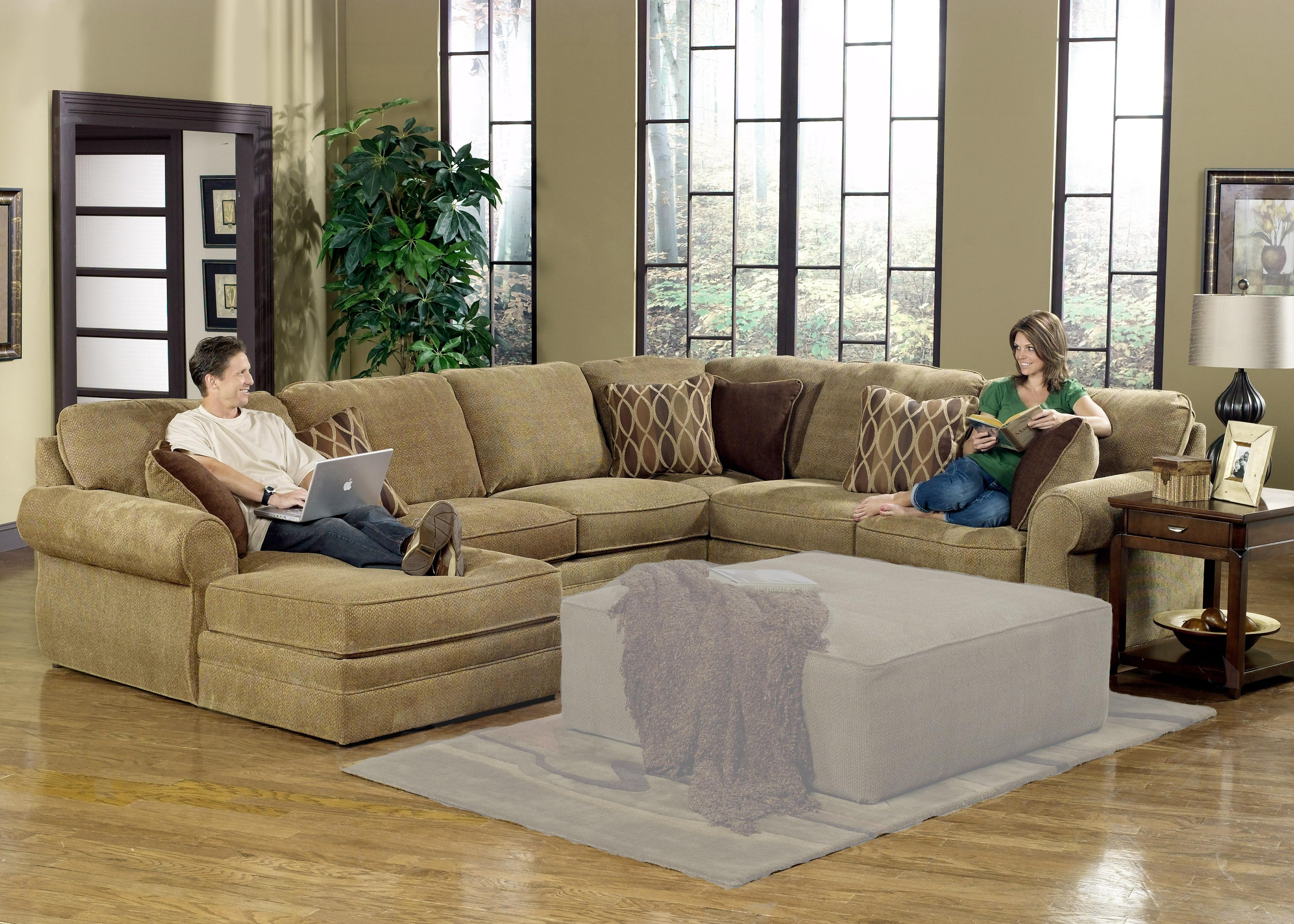Furniture: Interesting Living Room Interior Using Large Sectional In Big U Shaped Couches (View 9 of 10)