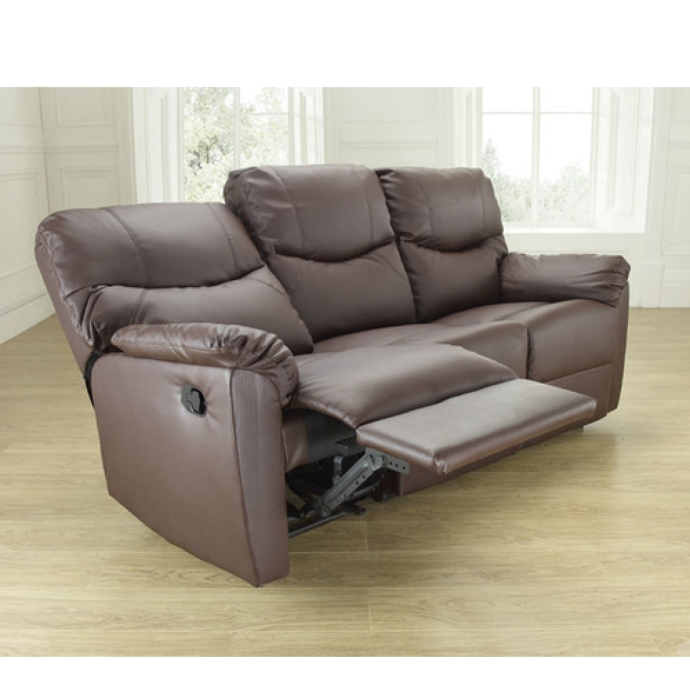 Get Comfortable In Your Living Roomusing A Sofa Recliner – Jitco Intended For Recliner Sofas (View 4 of 10)