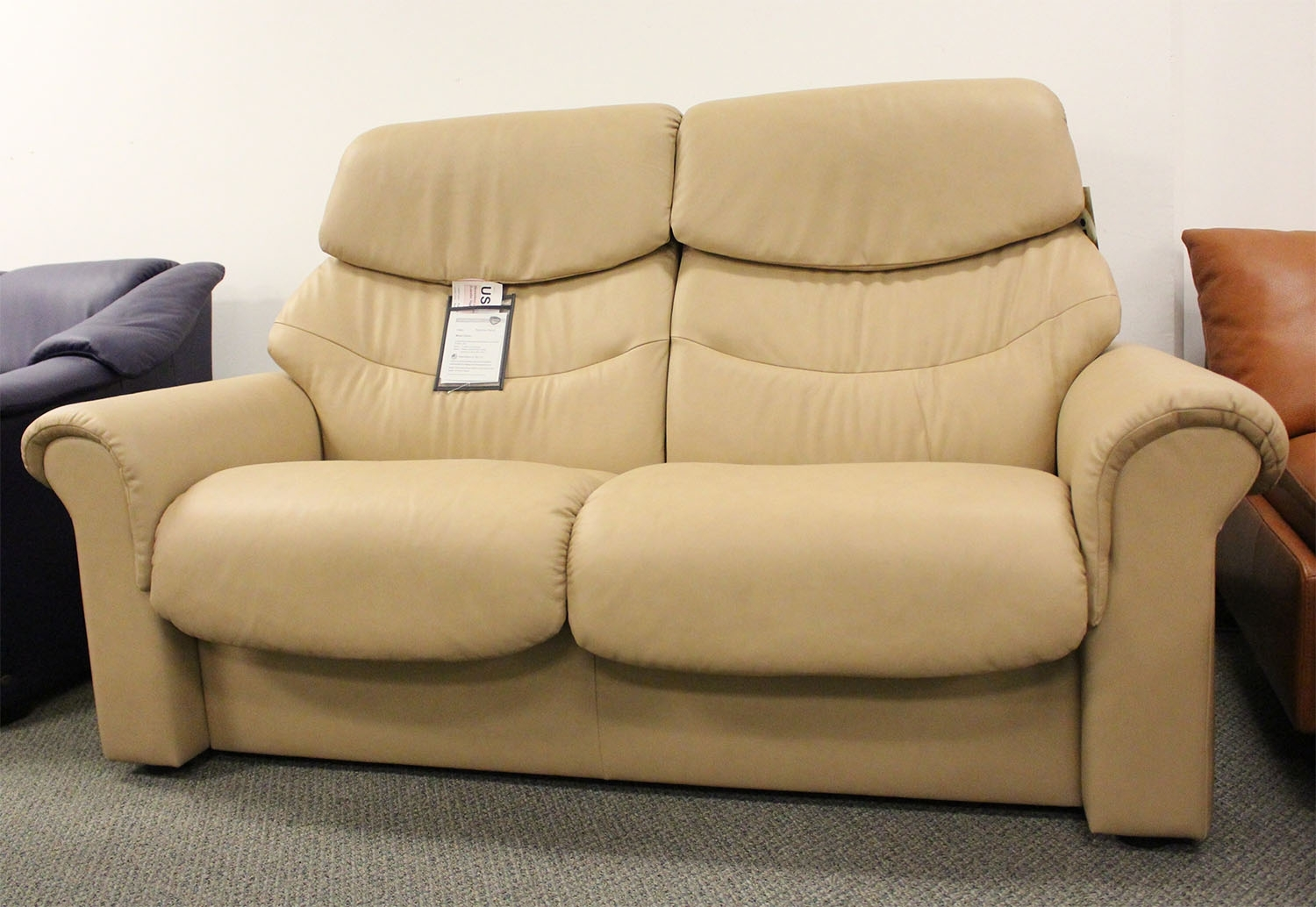 High Back Sectional Sofas – It Is Better To Opt For Leather Or Fabric? Throughout High Point Nc Sectional Sofas (Image 8 of 10)
