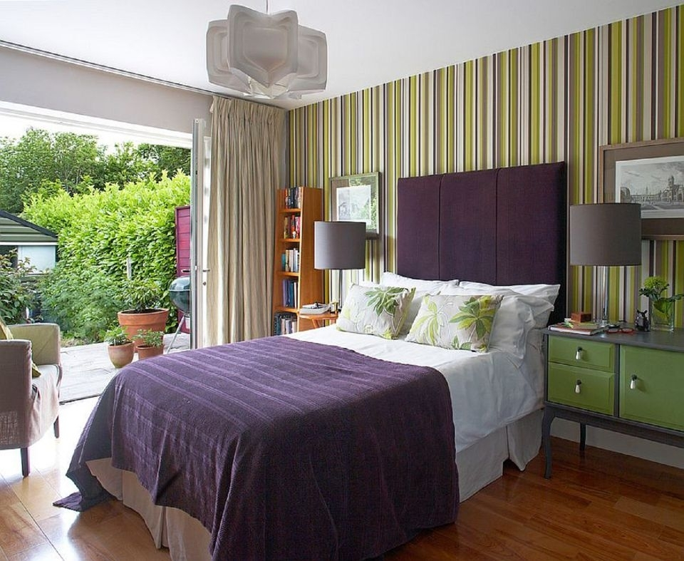 How To Decorate A Bedroom With Striped Walls Pertaining To Vertical Stripes Wall Accents (View 13 of 15)