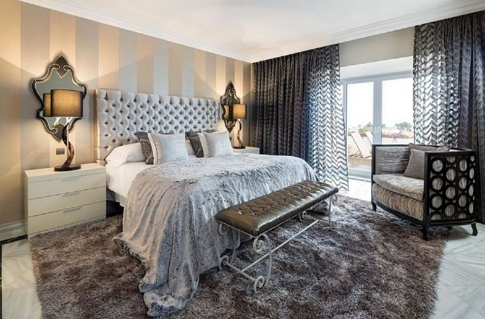 How To Decorate A Bedroom With Striped Walls Regarding Vertical Stripes Wall Accents (View 2 of 15)